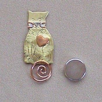 Magnetic Needle Nanny - Sitting Cat