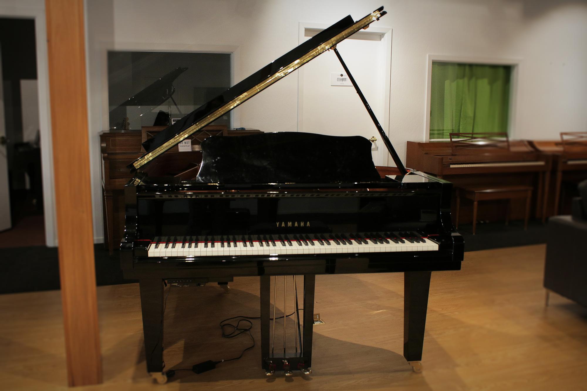 Yamaha C3X Silent 6'1 Grand Piano