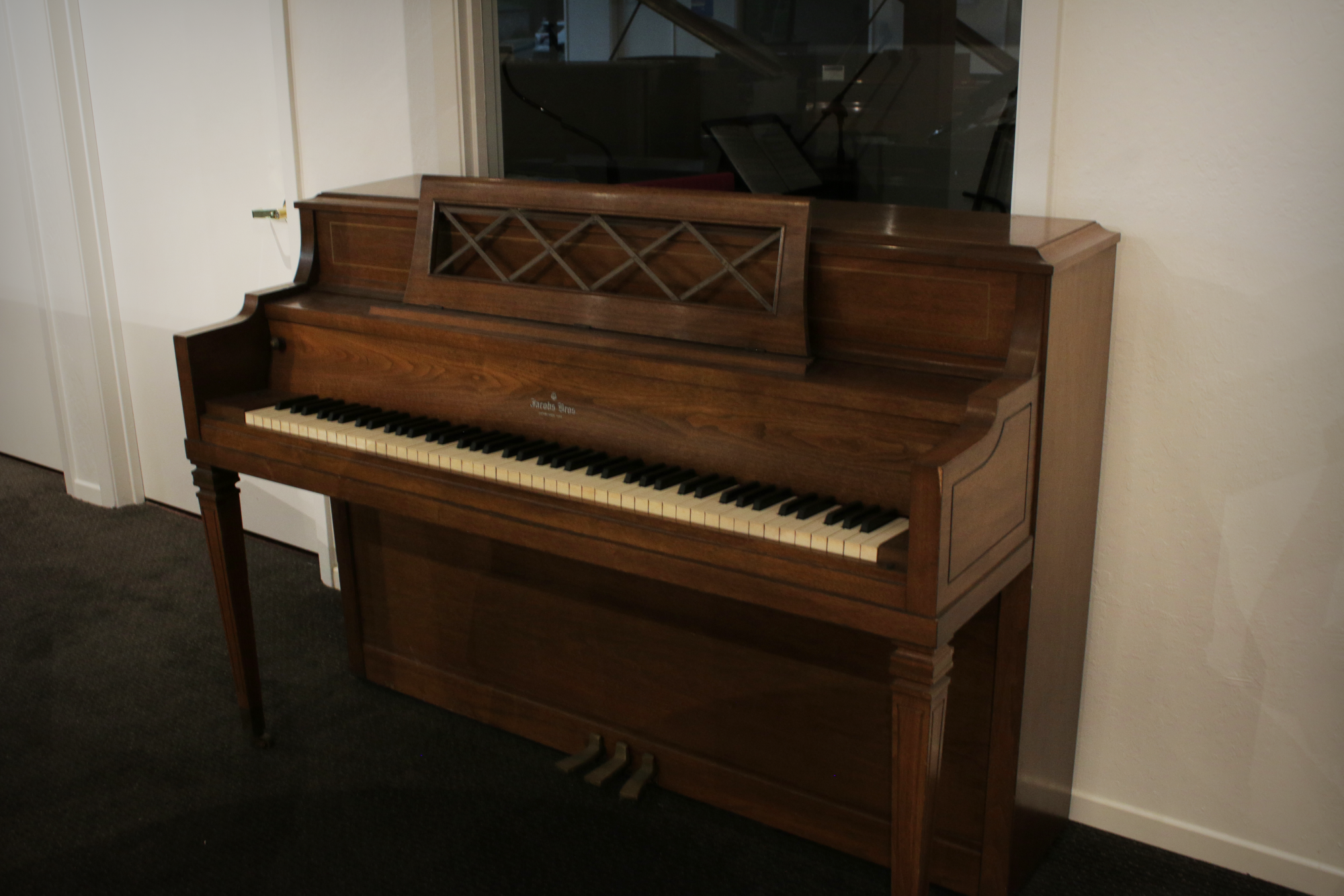 Jacob Brothers Upright Console