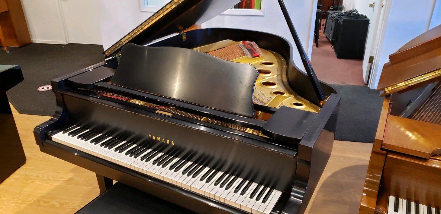 Yamaha C3 Grand Piano 1977 Satin Ebony