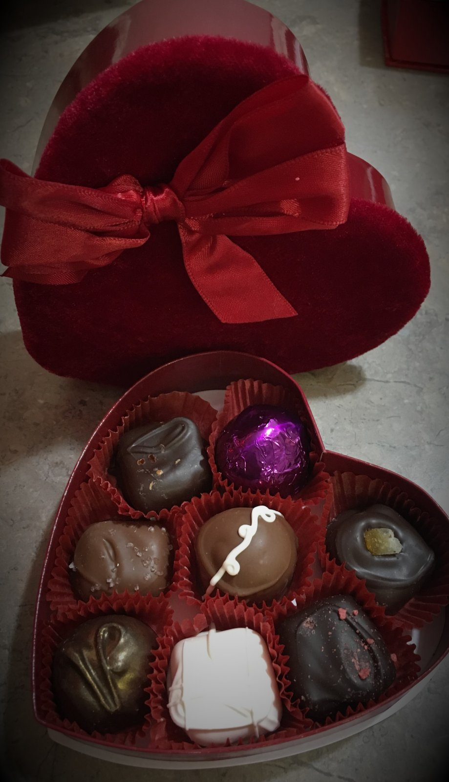 8pc Velvet Valentine Box