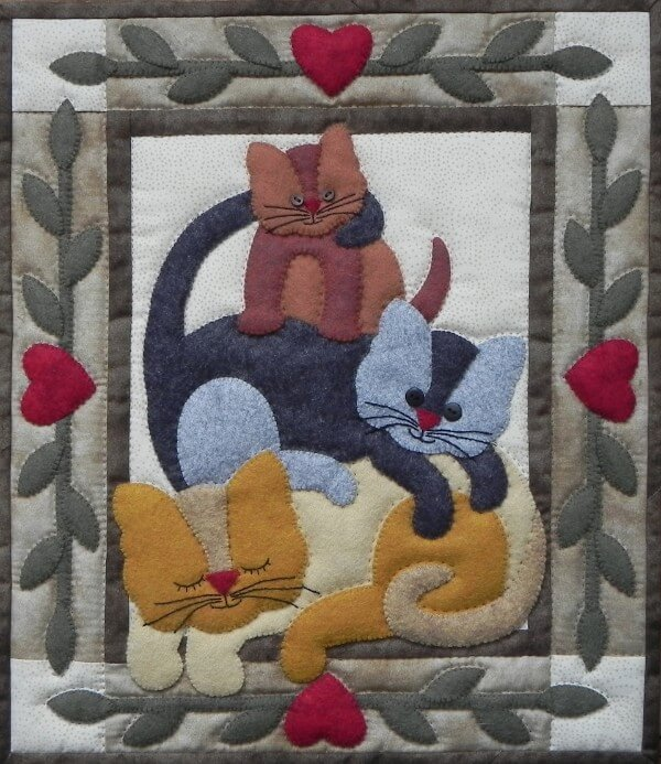 Wool Wall Quilt - Cat Stack