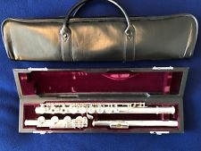 Yamaha YFL-581H Professional Solid Silver Flute - USED