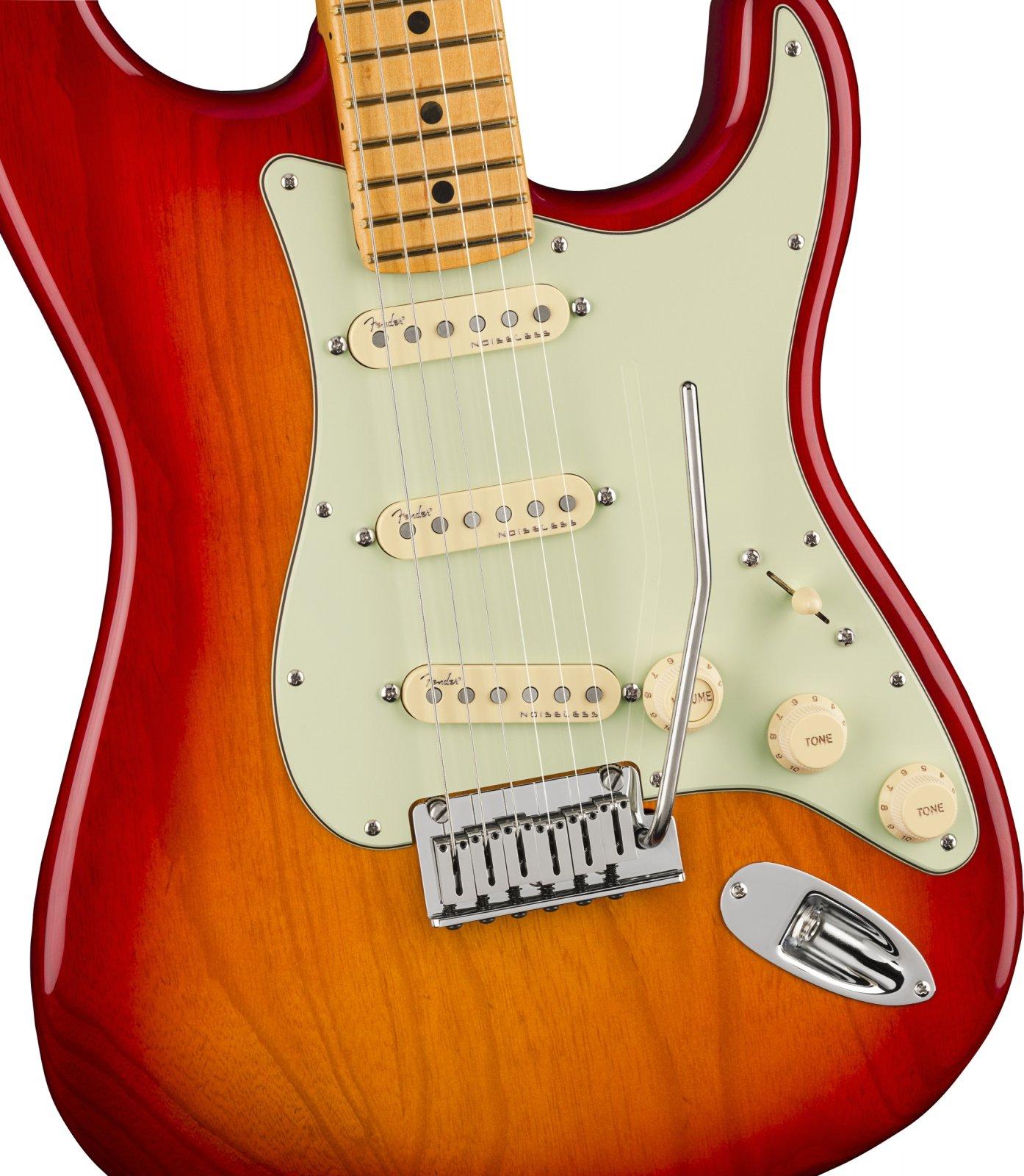 Fender American Ultra Strat  Plasma Red Burst