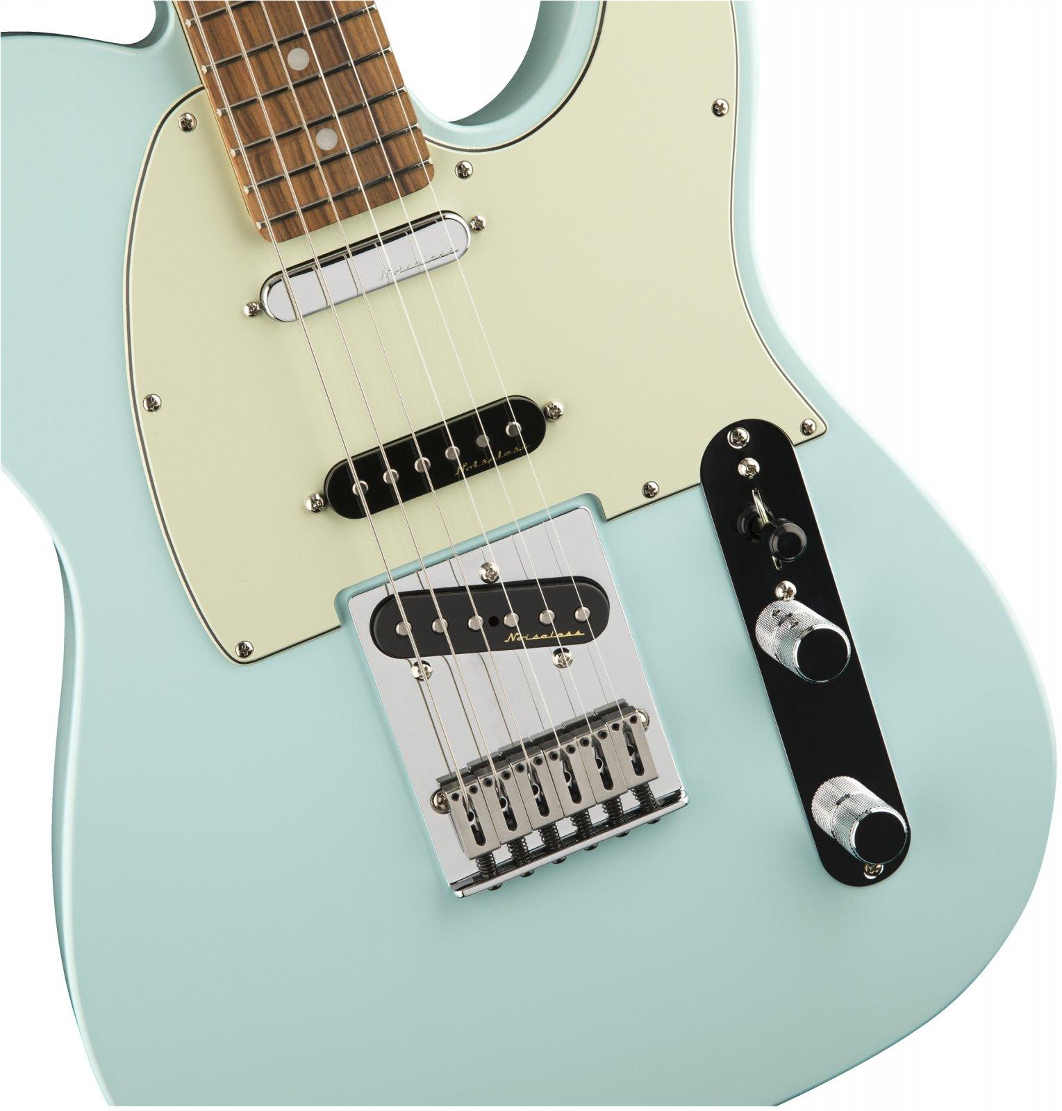 Fender Deluxe Nashville Telecaster - Daphne Blue w/ Pao Ferro Fingerboard