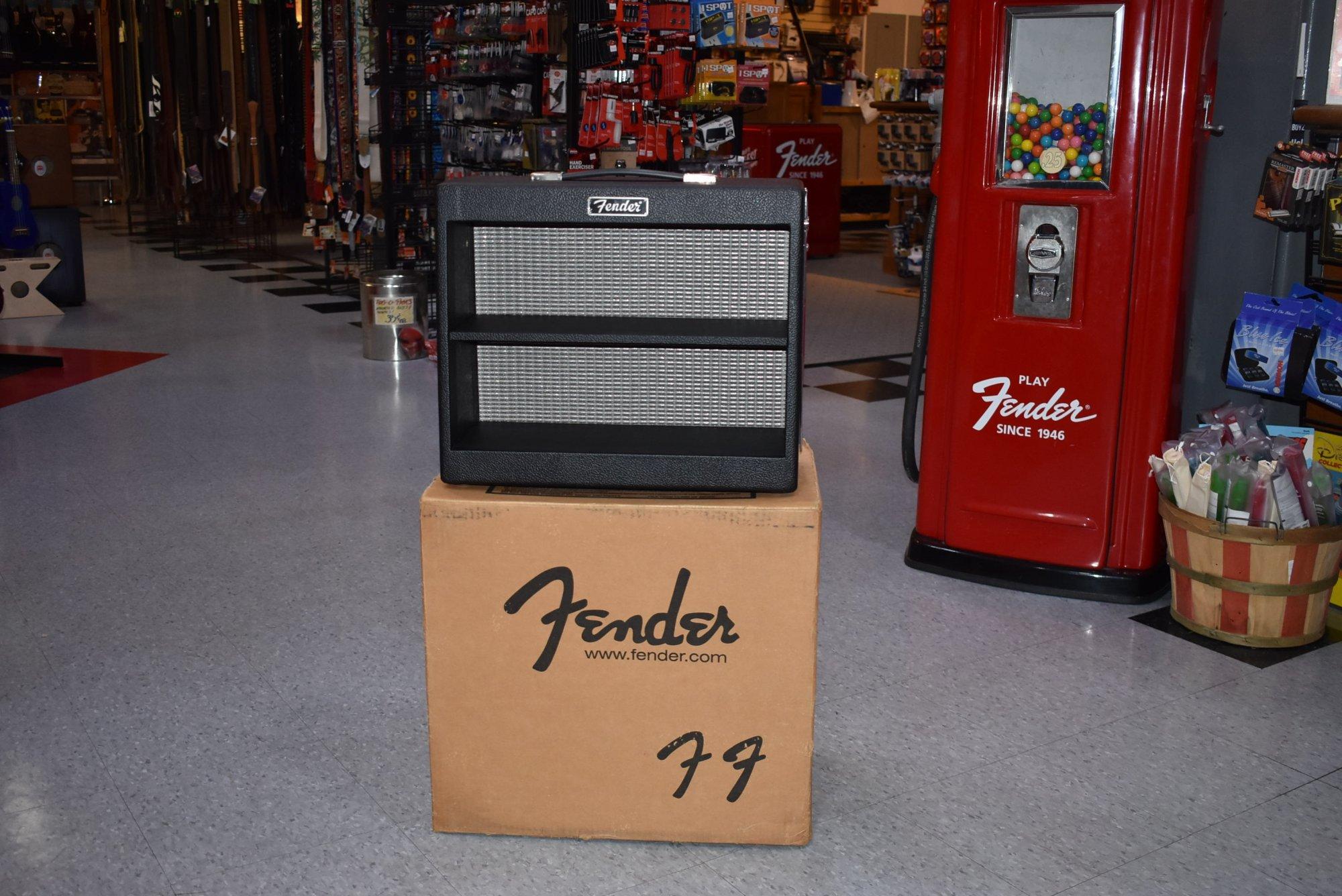 Fender Amp Display Cabinet Promo