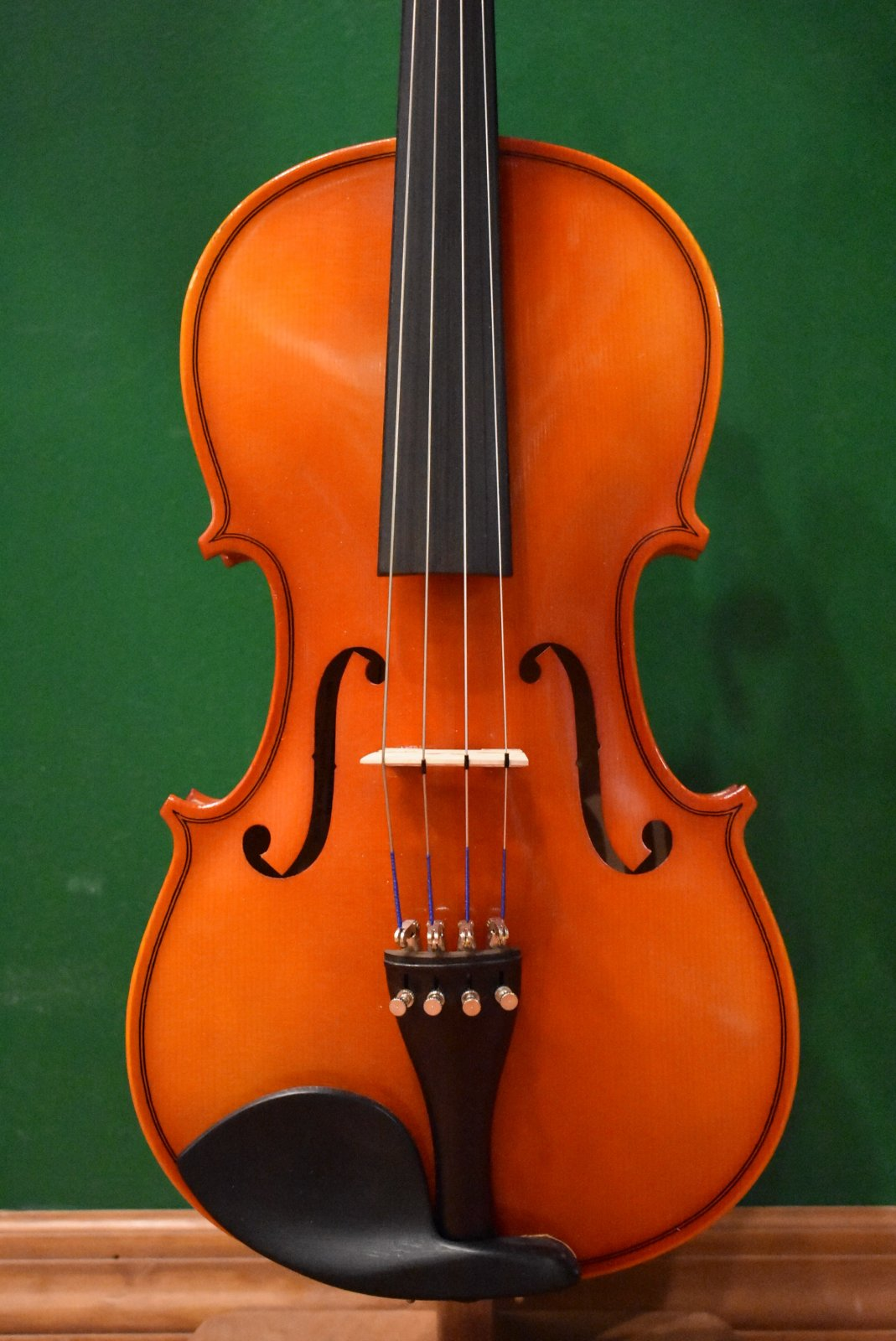 Scherl & Roth R401E15   15 Viola Outfit