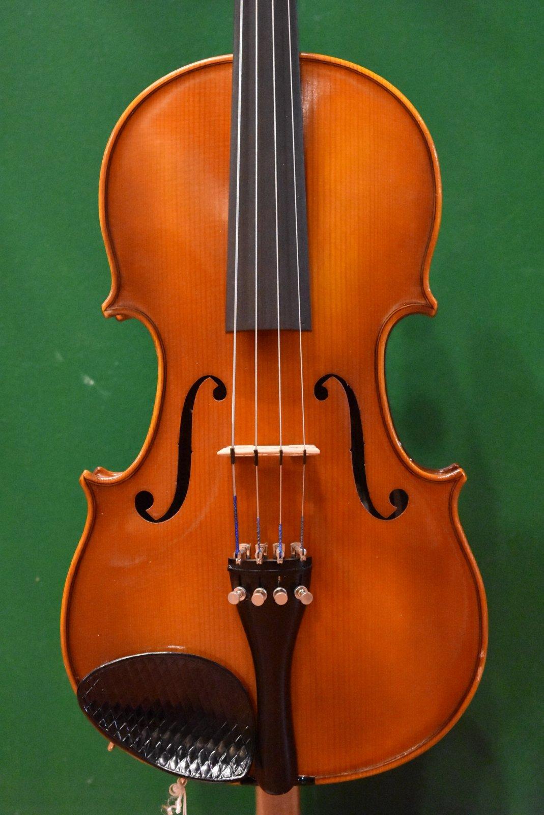Glaesel VA15EC  14 Viola Outfit