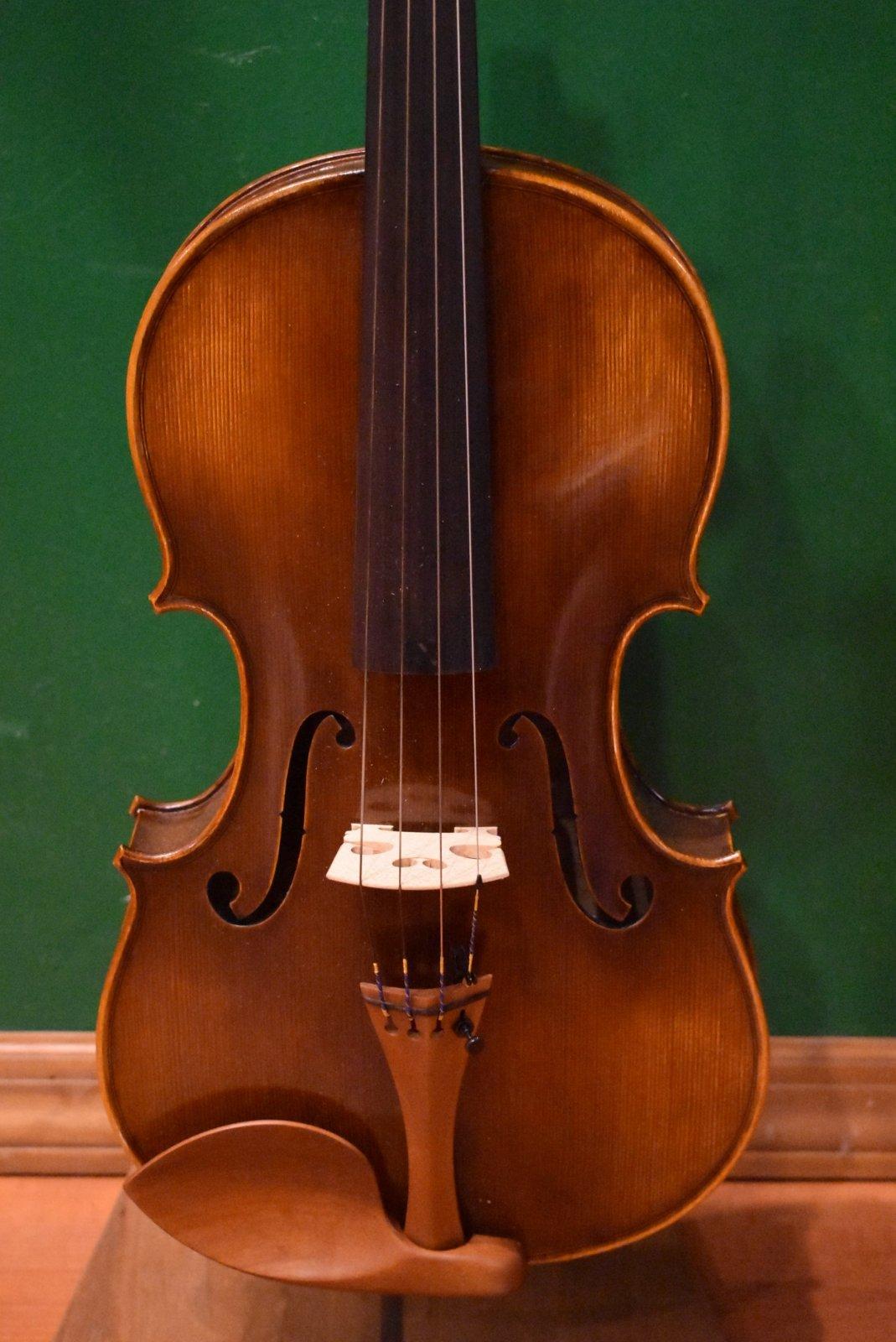 Eastman MA-500  15 1/2 Viola Outfit