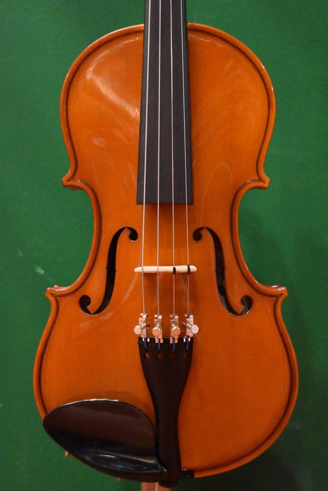 Glaesel VA29E7  12 Viola Outfit