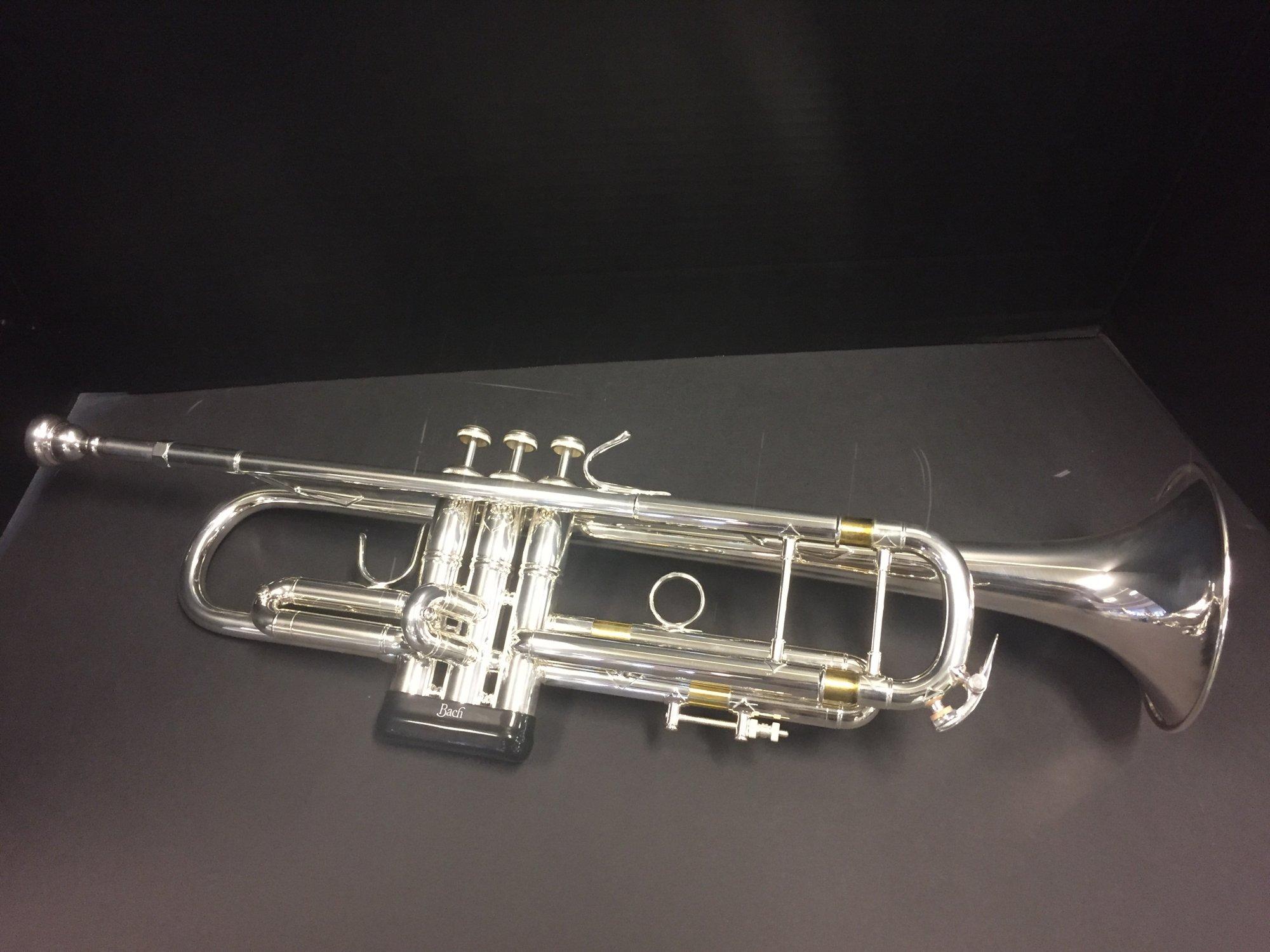 Bach Stradivarius 18037