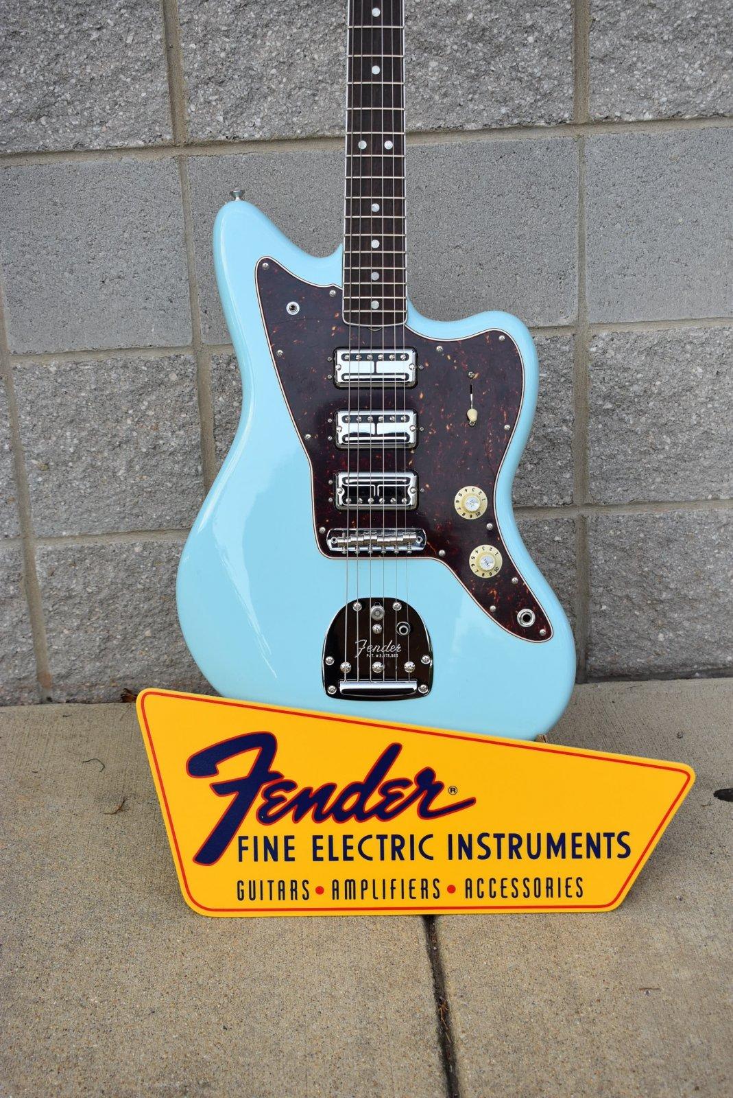 Fender Limited Edition 60th Anniversay Triple Jazzmaster Daphne Blue