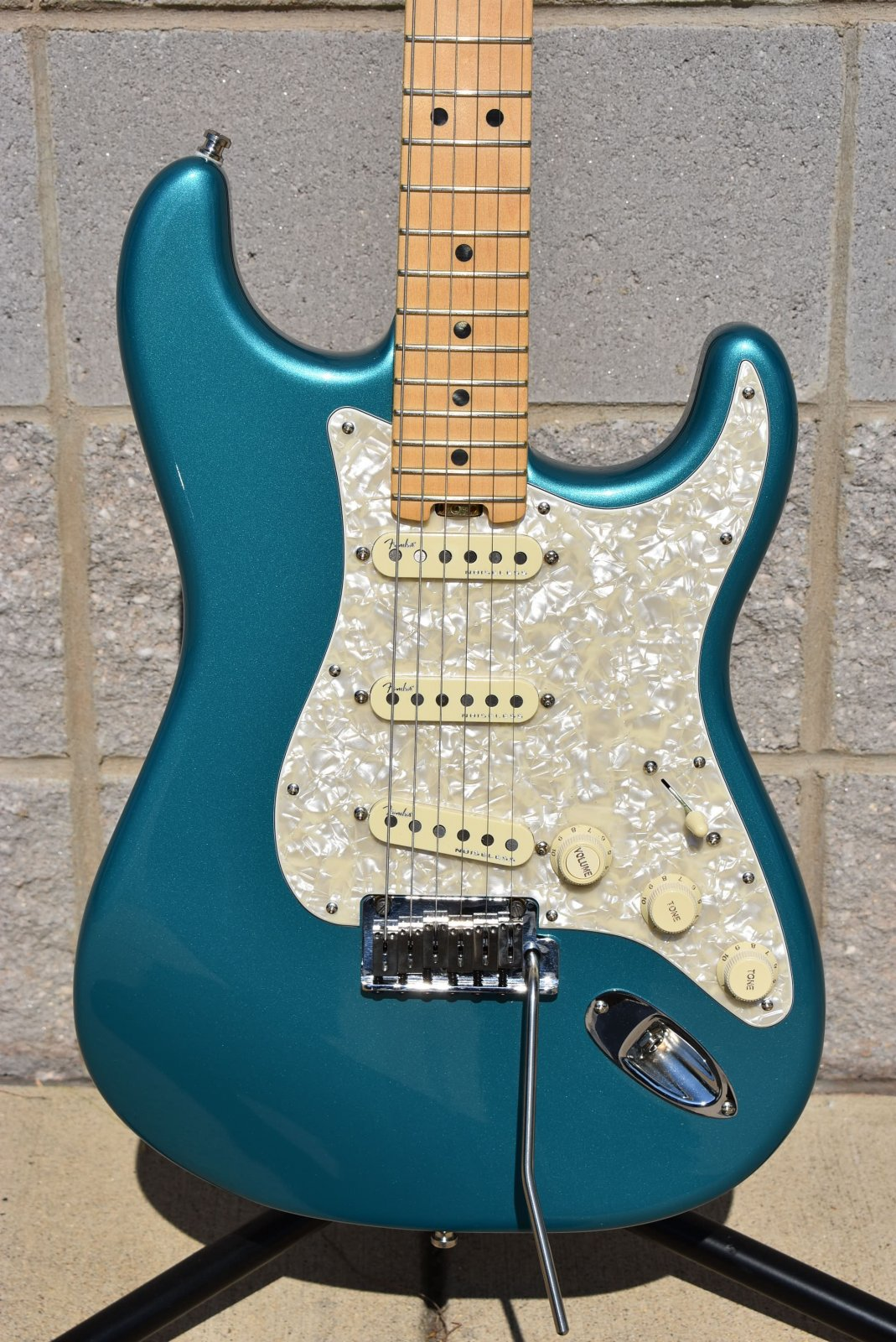 Used Fender American Elite Strat Ocean Turquoise