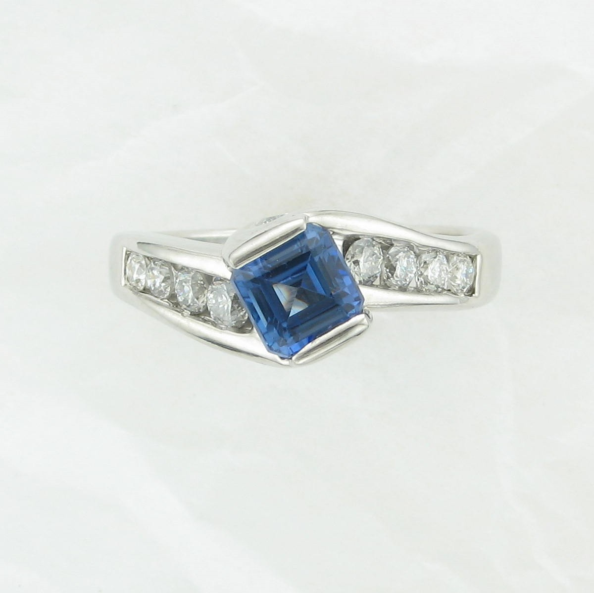 1.29ct Tanzanite & Diamond Ring set in 14K White Gold