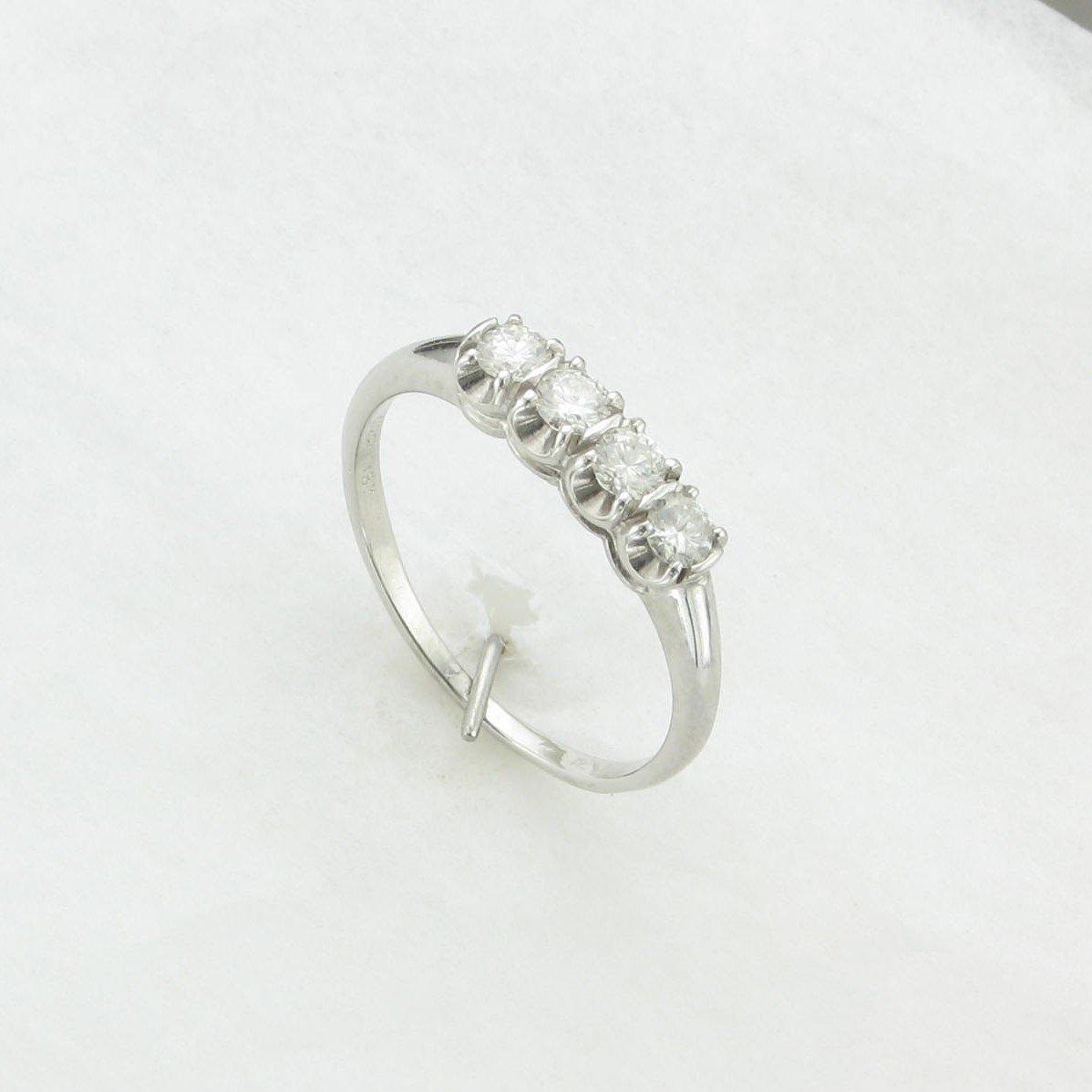 0.30tcw Diamond Wedding Band set in 18K White Gold
