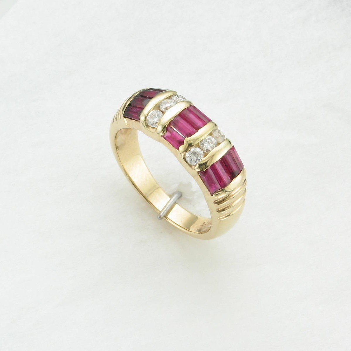 1.20 tcw Ruby and Diamond  Ring set in 14K Yellow Gold