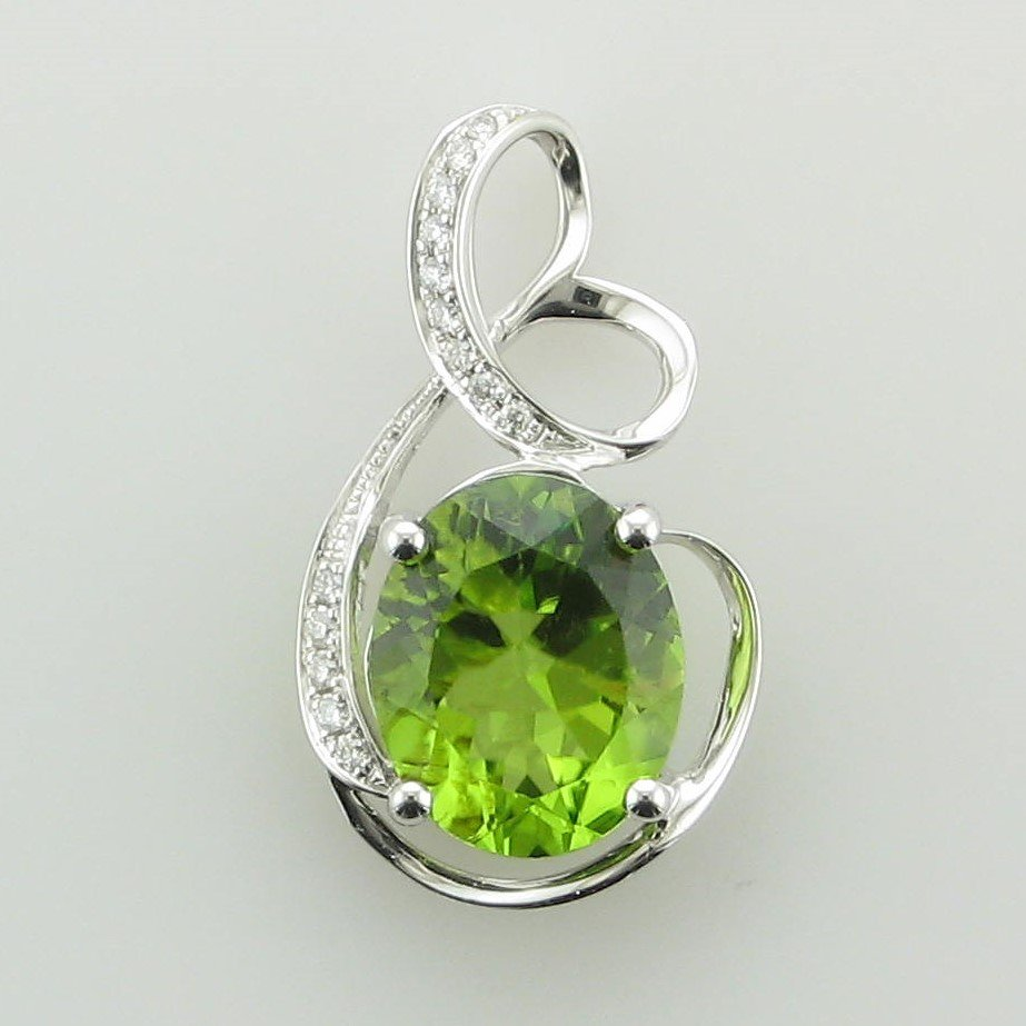 3.68ct Oval Peridot and Diamond Swirl Pendant set in 14K White Gold