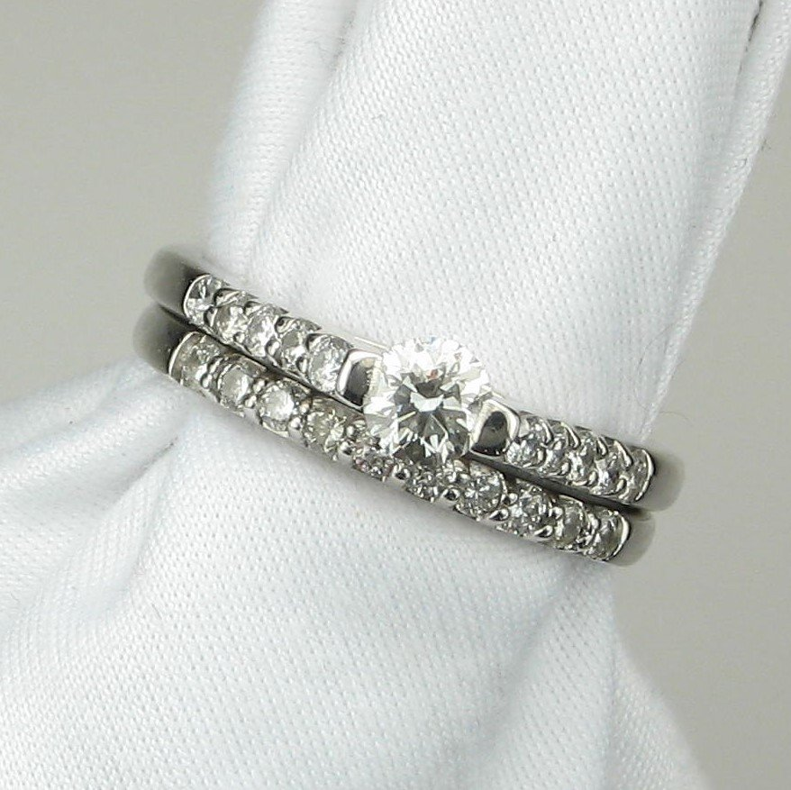 14K White Gold Round Diamond Wedding Set