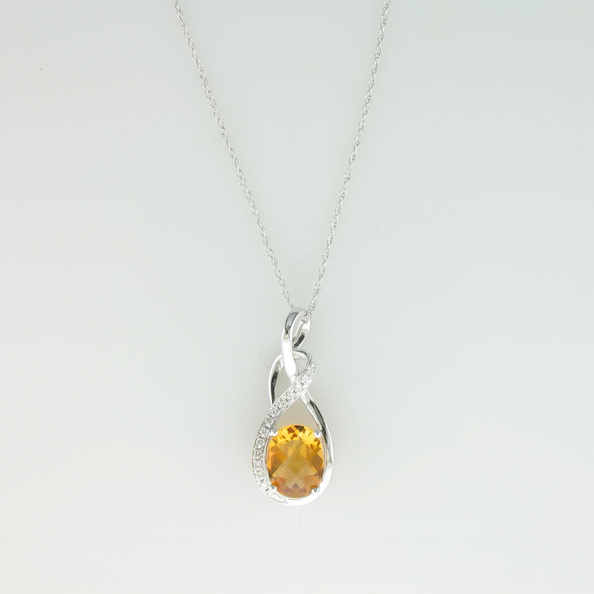 1.60ct Round Citrine and Diamond Necklace set in 14k White Gold