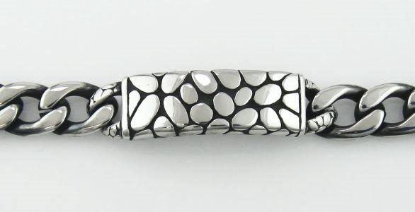 8 Men's Pebble Plate Bracelet in Stainless Steel