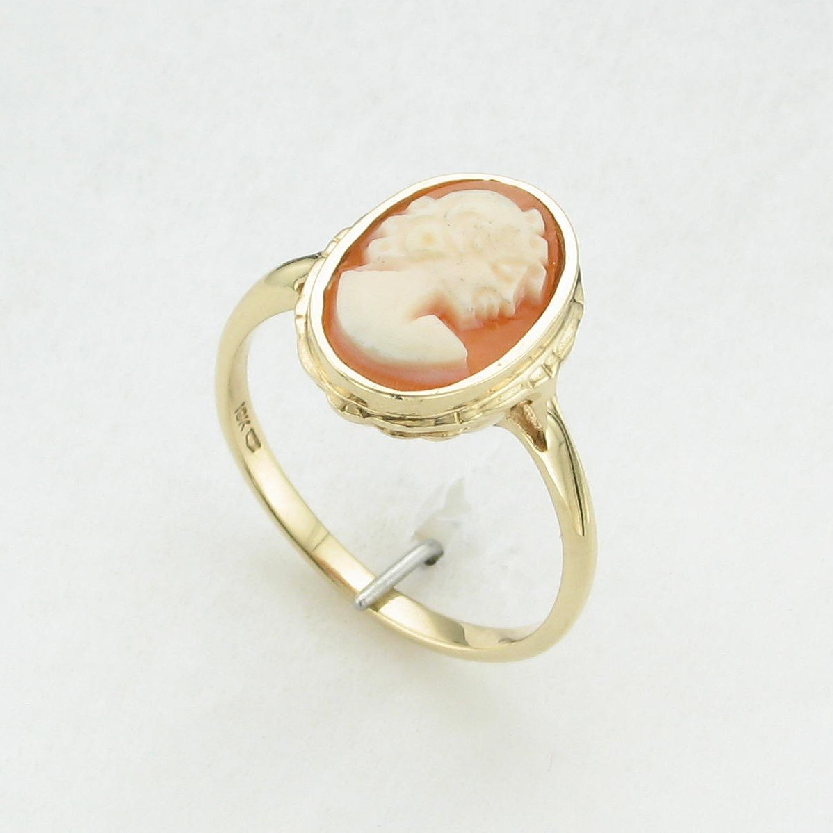 Oval Carved Carnelion Cameo Ring set in 10K Yellow Gold