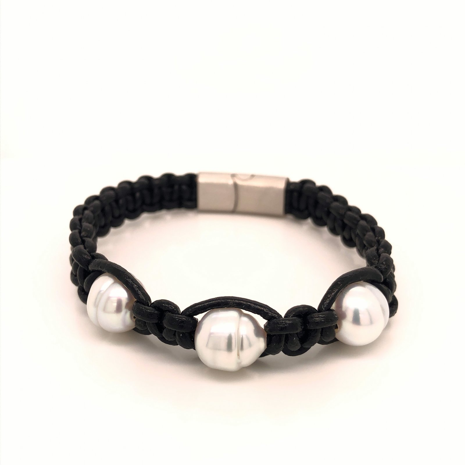 7.5 10-11mm  White South Sea Pearl and Leather Bracelet