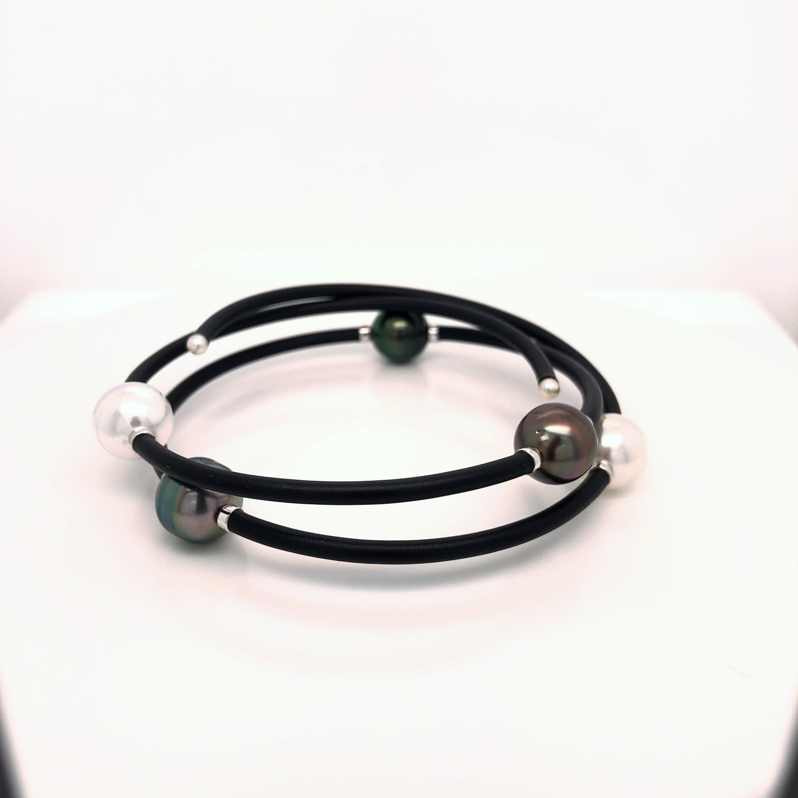 Tahitian & White South Sea Pearl Bracelet on Memory Wire