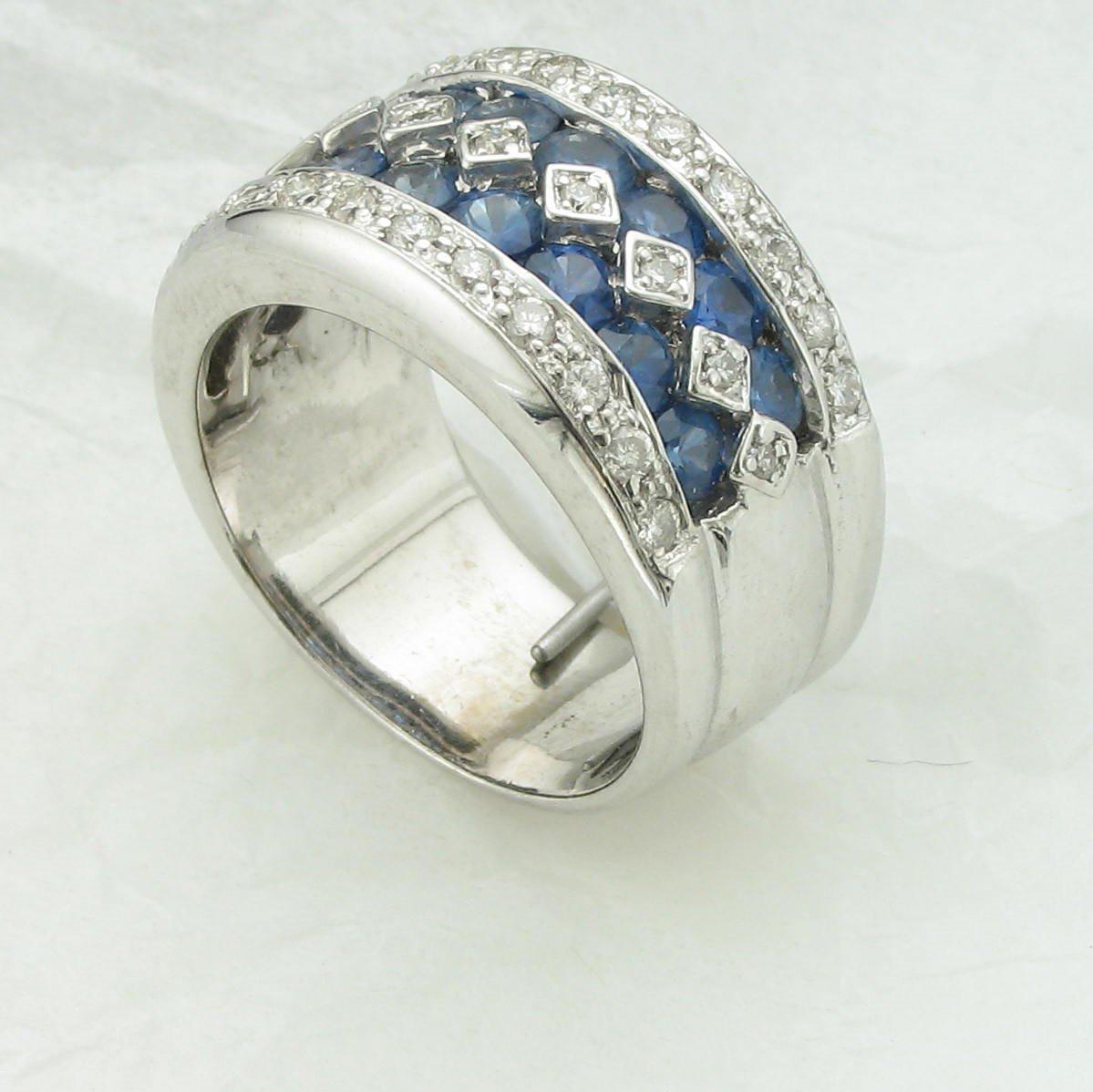 0.75tcw Blue Sapphire/0.25 tcw Diamonds Ring set in 14K White Gold