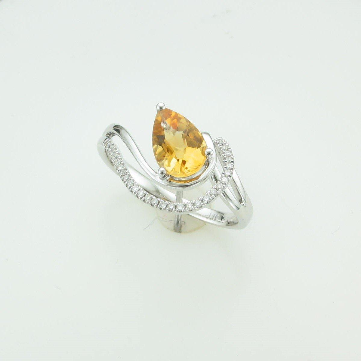 1.16ct Citrine and Diamond Ring set in 14k White Gold