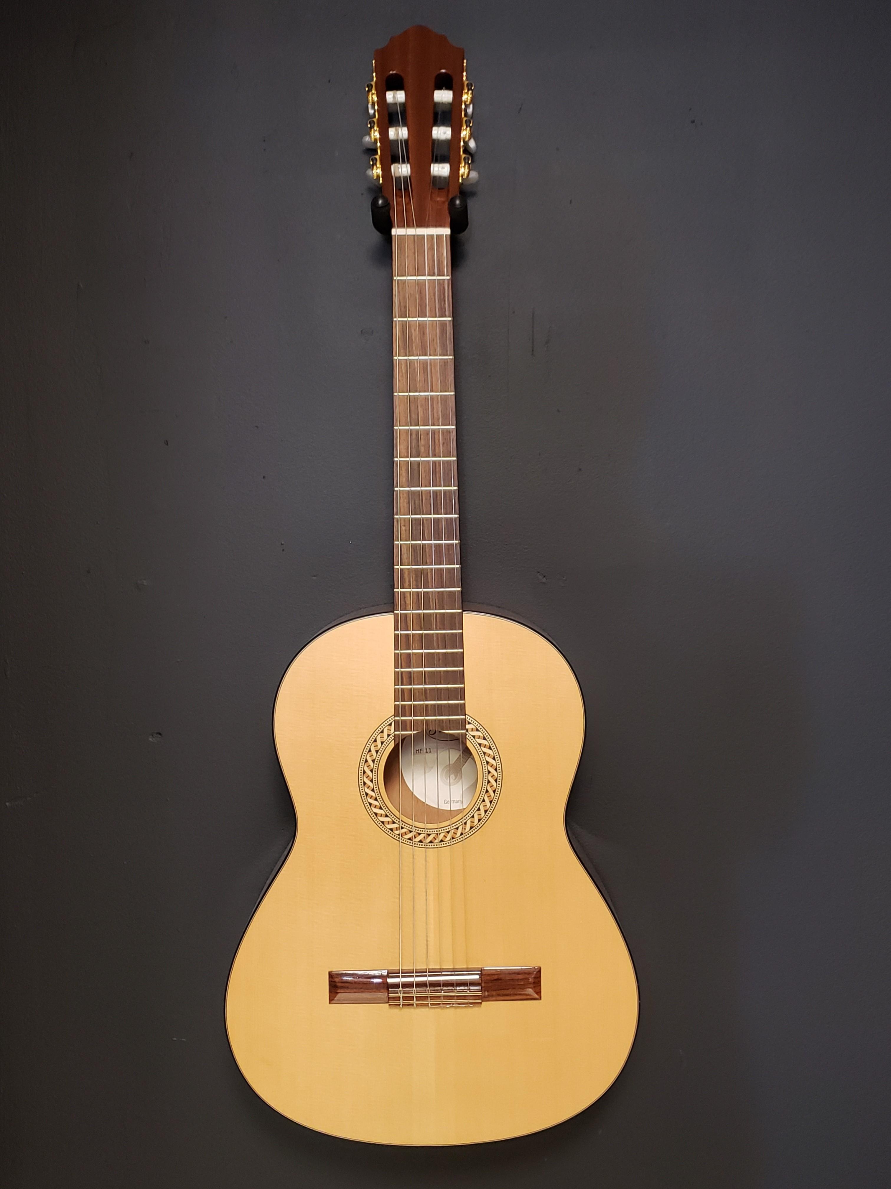 Hofner HF 11 Classical Acoustic