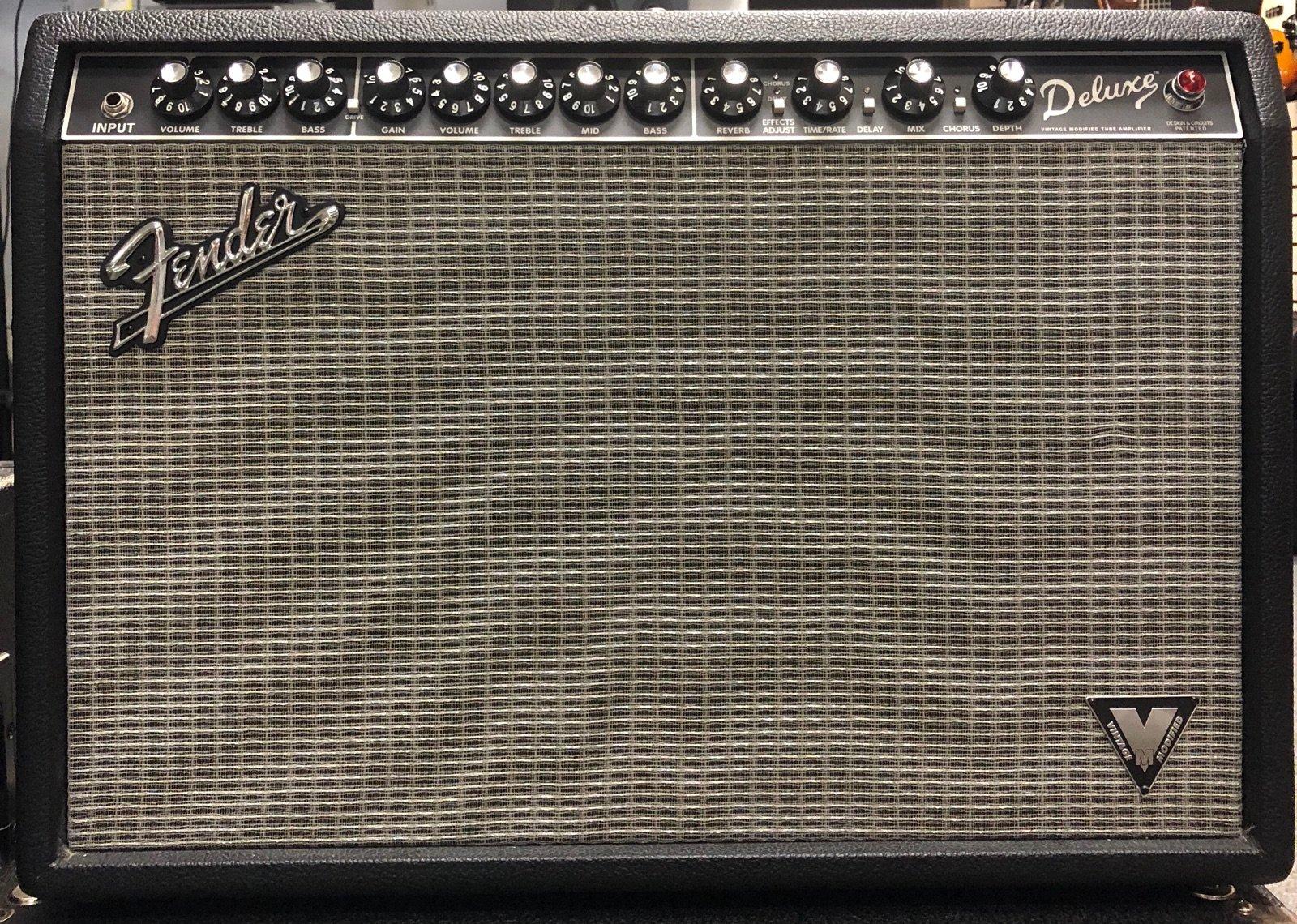 Fender Deluxe Vintage Mod Tubed Amp