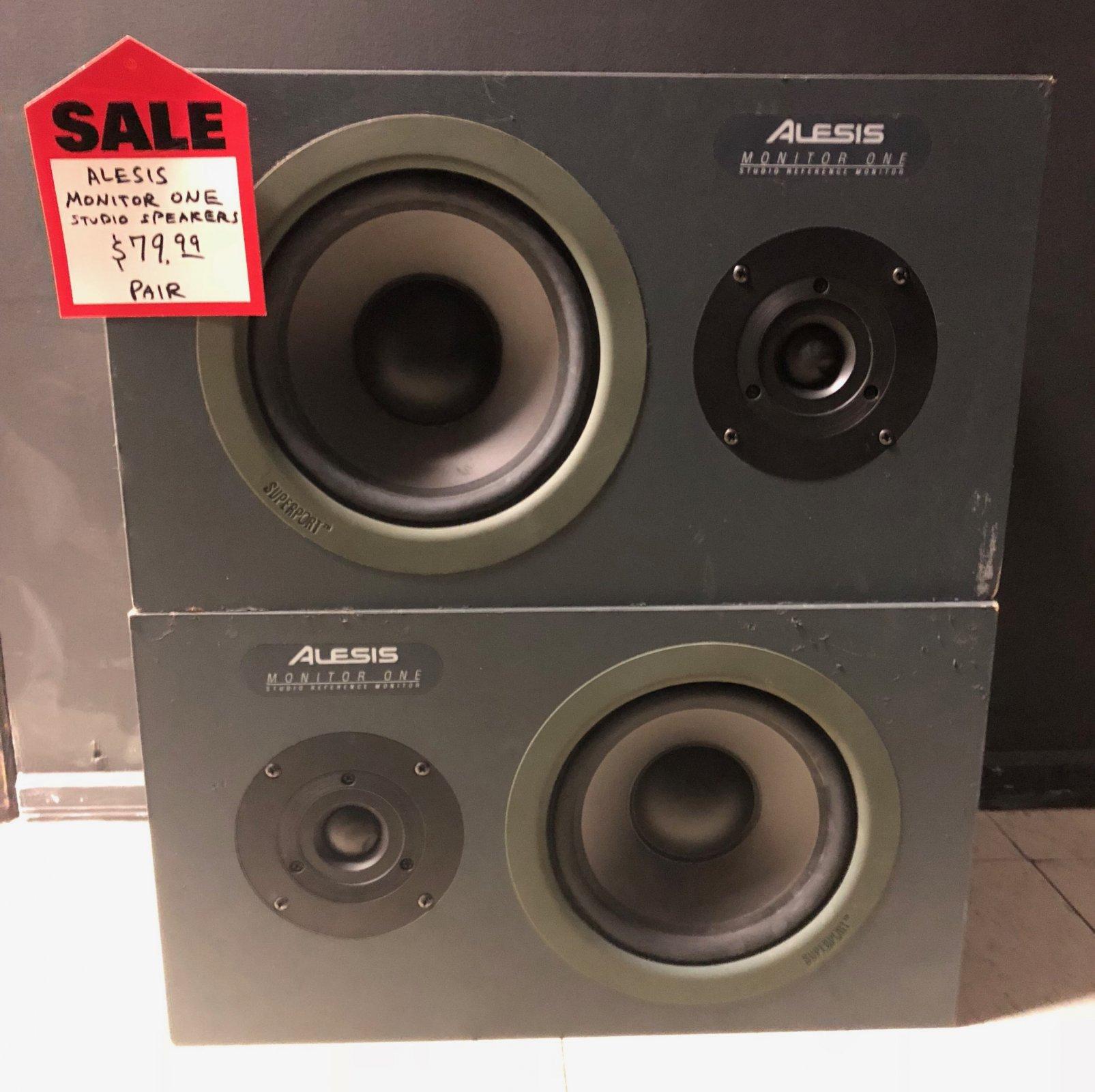 Alesis Monitor One Studio Speakers PAIR