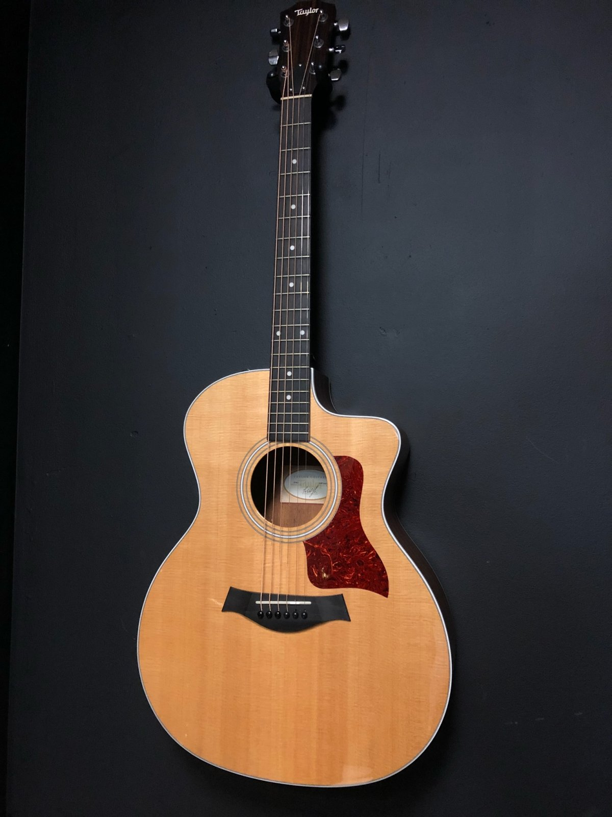 Taylor 214CE Electric Acoustic w/ Hard Case
