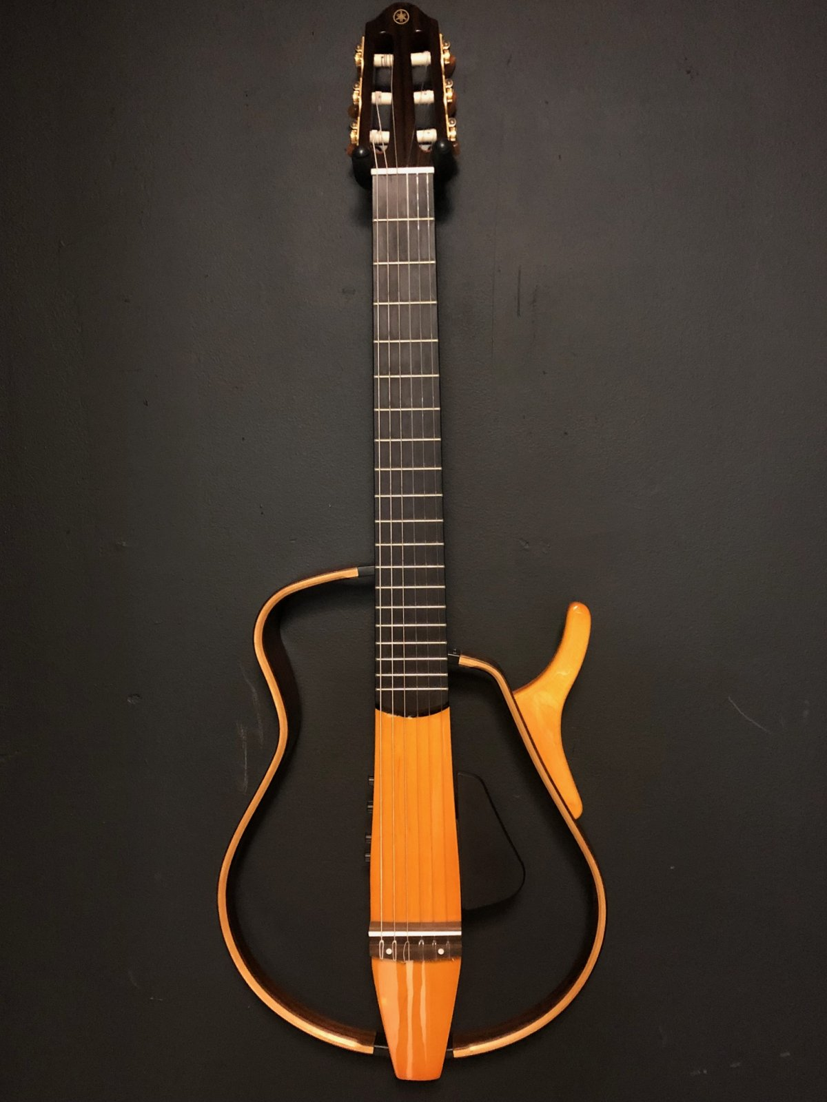 Yamaha SLG130NW CLASSICAL ELECTRIC