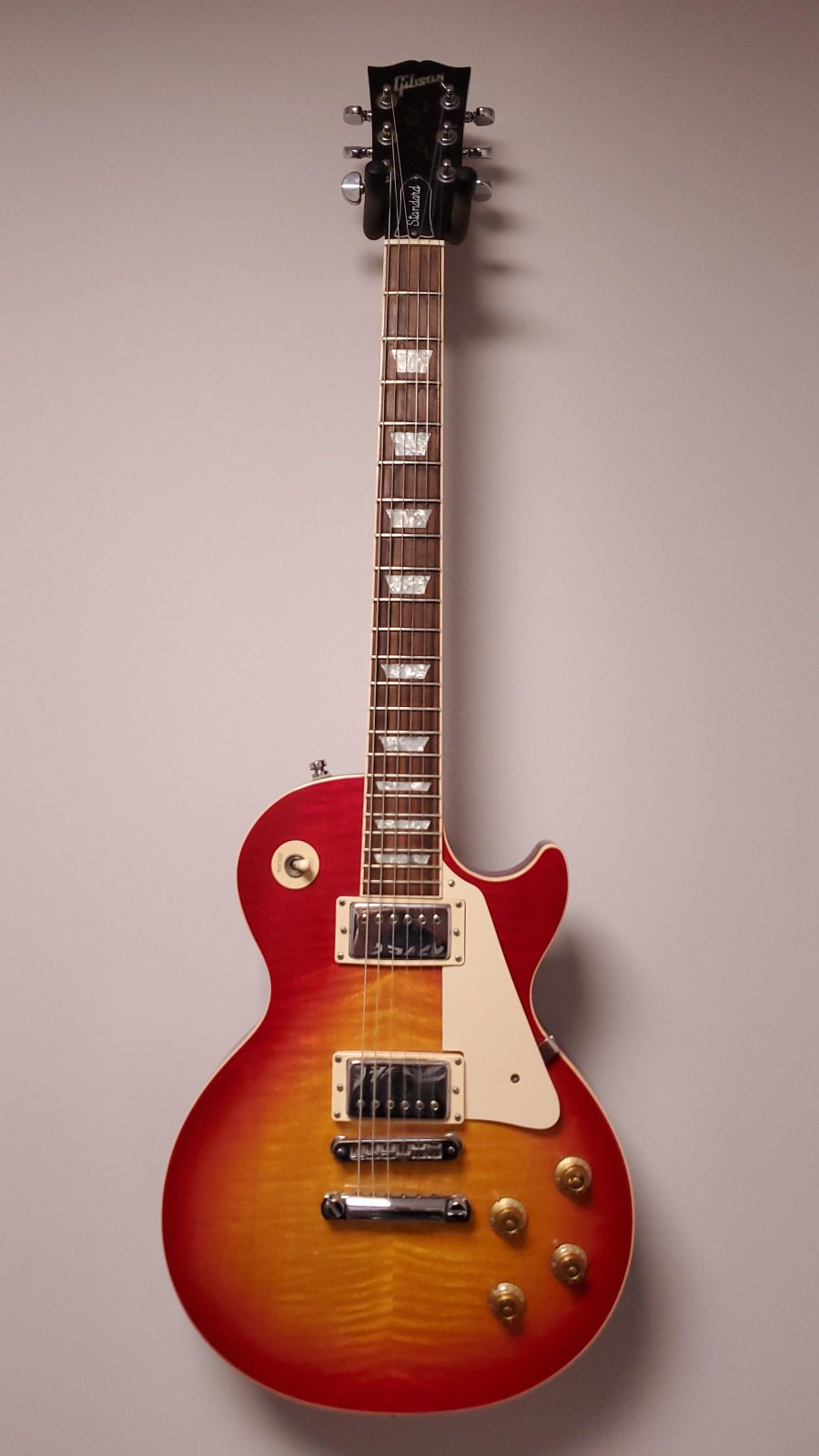 (USED) Gibson Les Paul 2001 AA Flame Top with Case and Upgraded Capacitor