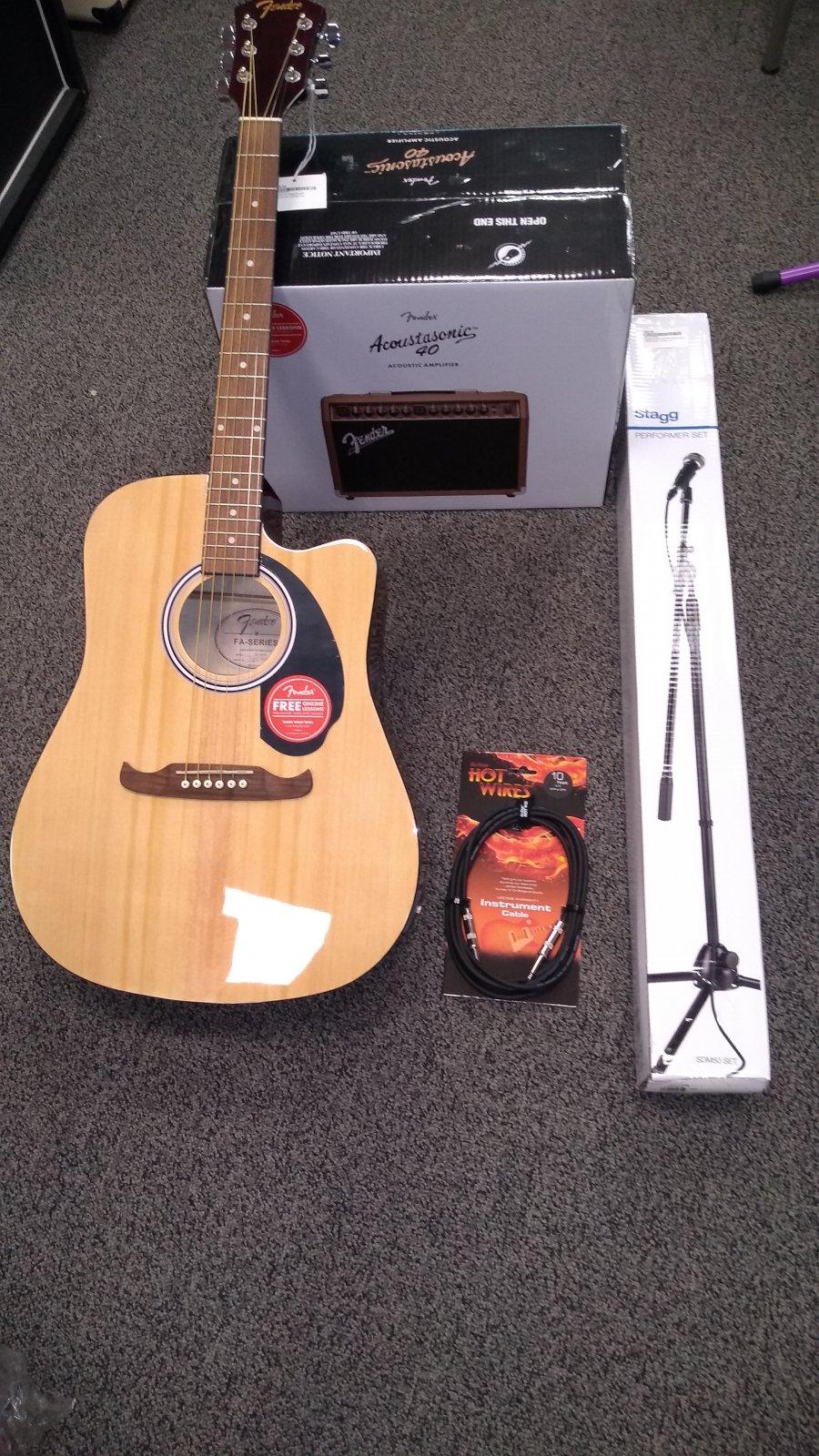 Fender A/E Guitar, Amp and Mic Set Bundle