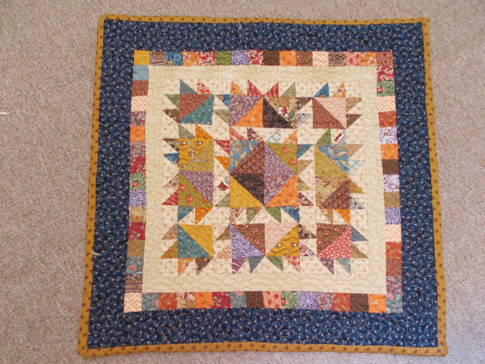Table matt in Jo Morton fabrics