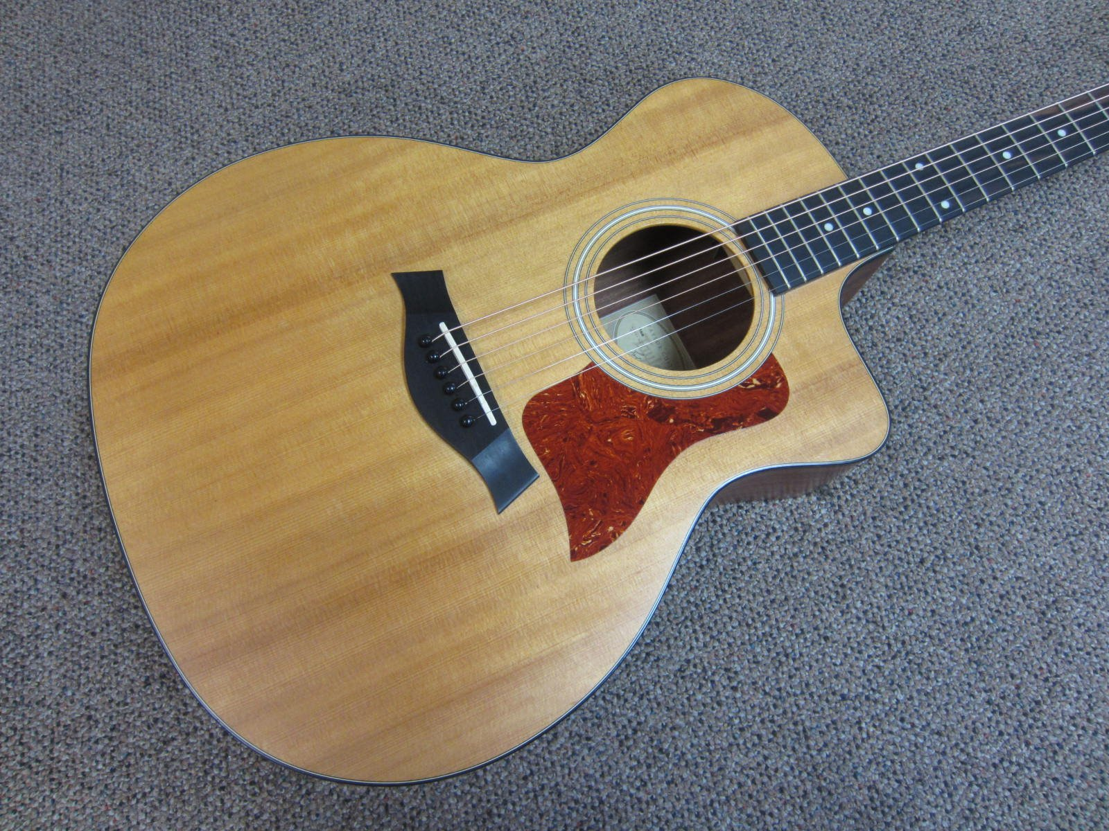 Taylor 114CE Grand Auditiorium Acoustic Electric with Bag
