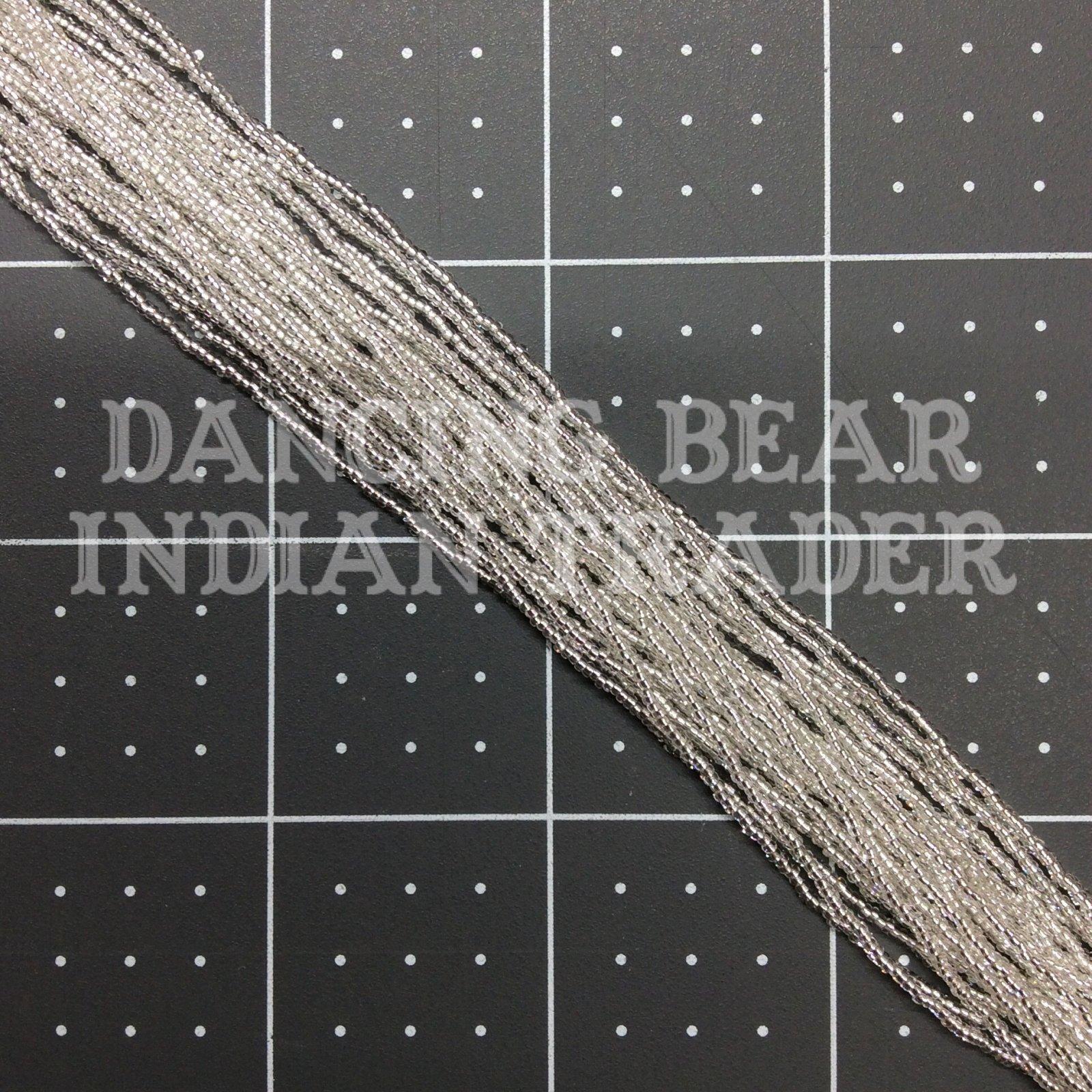 15/0-004SL-RH Crystal Silver Lined Round Hole