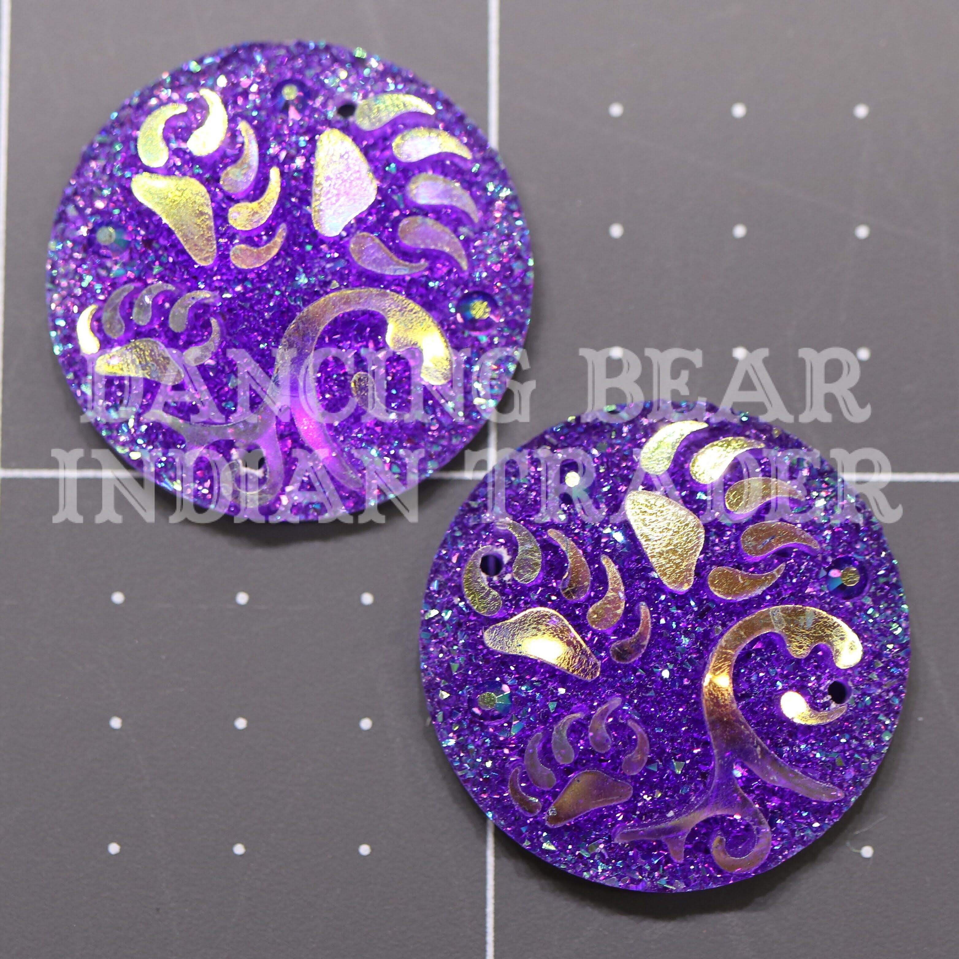 Sparkle Berry Paw Trio Round 25mm Resin Cabochon