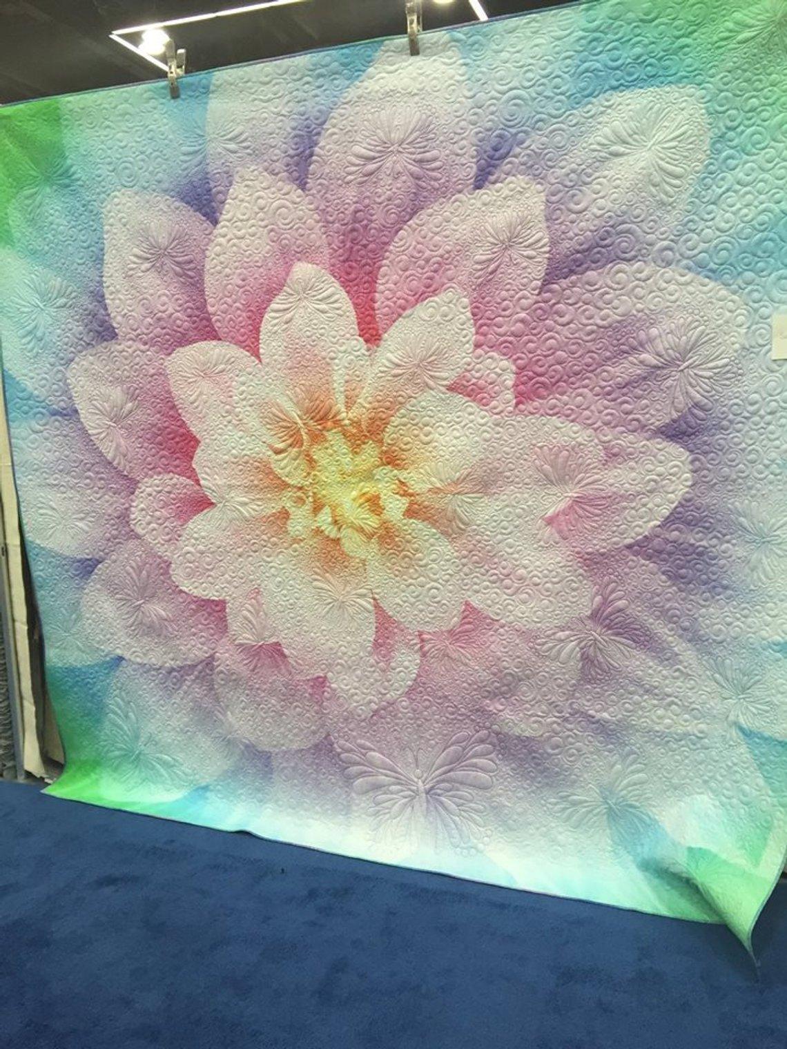 Opal Dream Bigger Flower 108x108