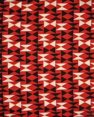 2868 88 Triangles Red