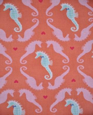 7107 Dapper Seahorse Coral