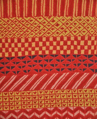 822026C Patterns Red