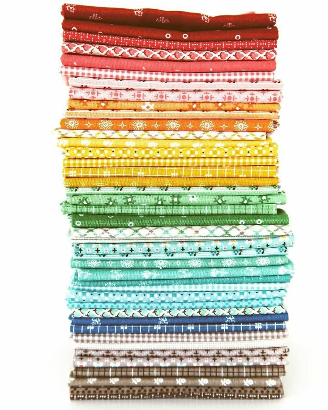 Prim Fat Quarter Bundle, 42pcs