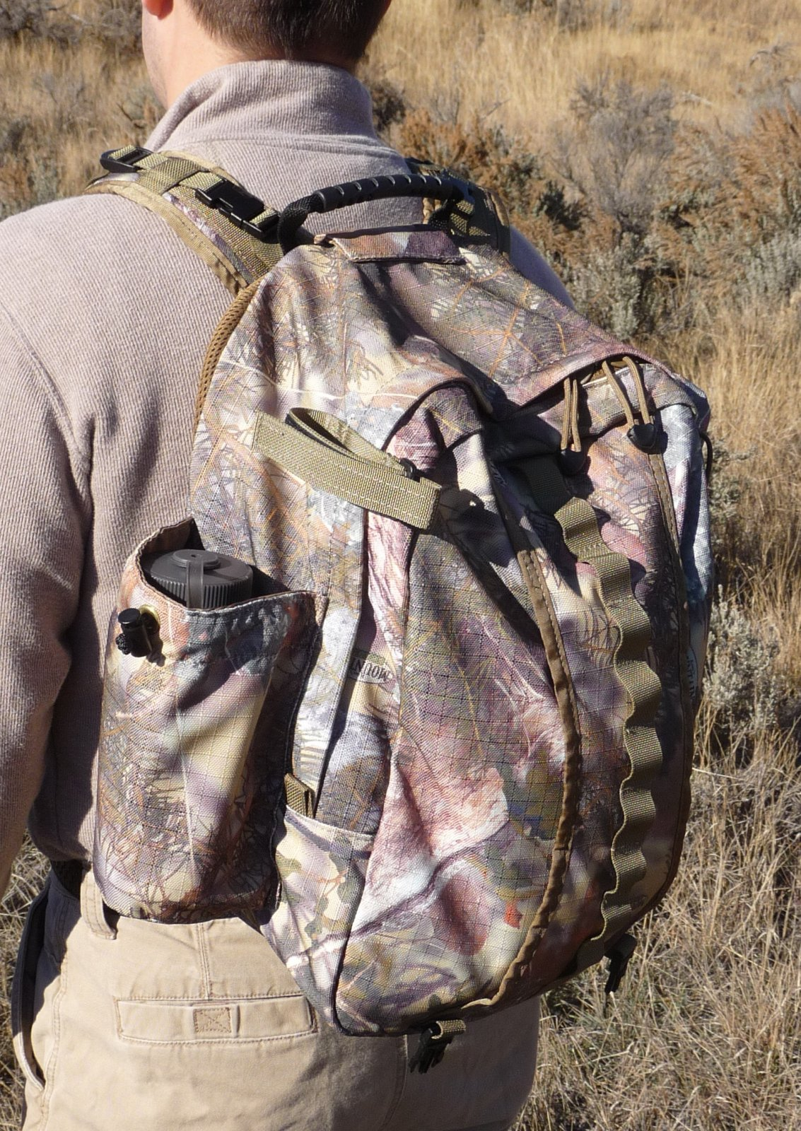 Sierra 2200 c.i. Back Pack (Camo) for BinoPOD Harness