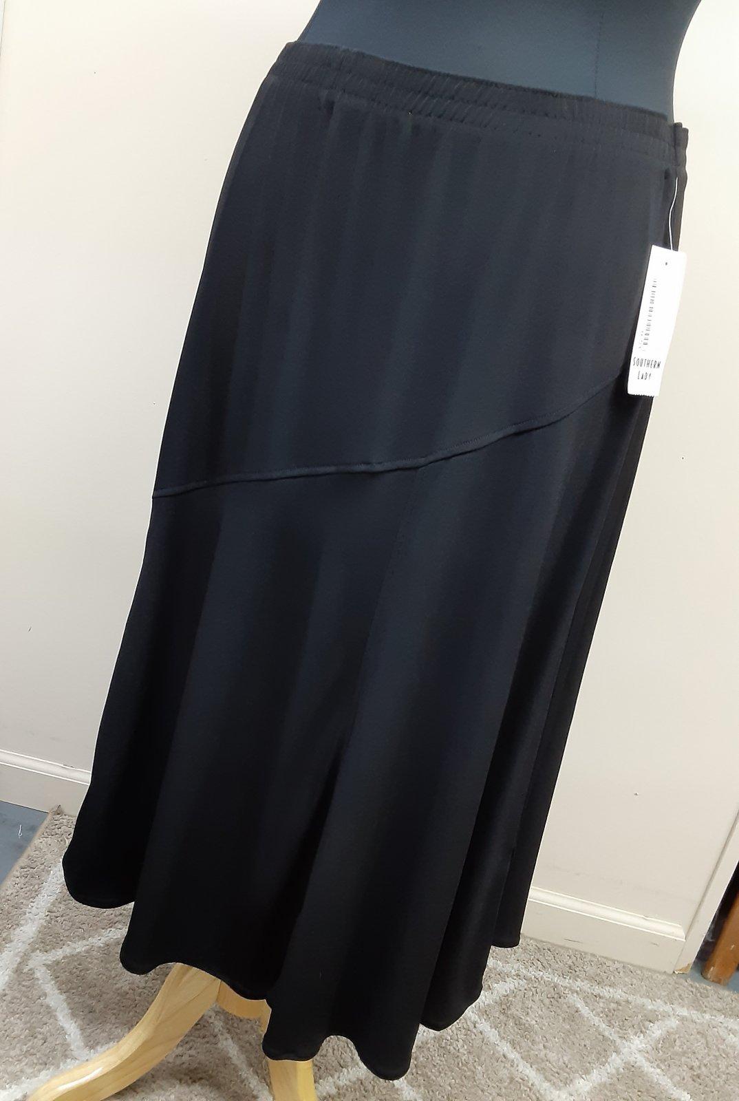 Plus SL A-line Black Skirt w/diagonal seam