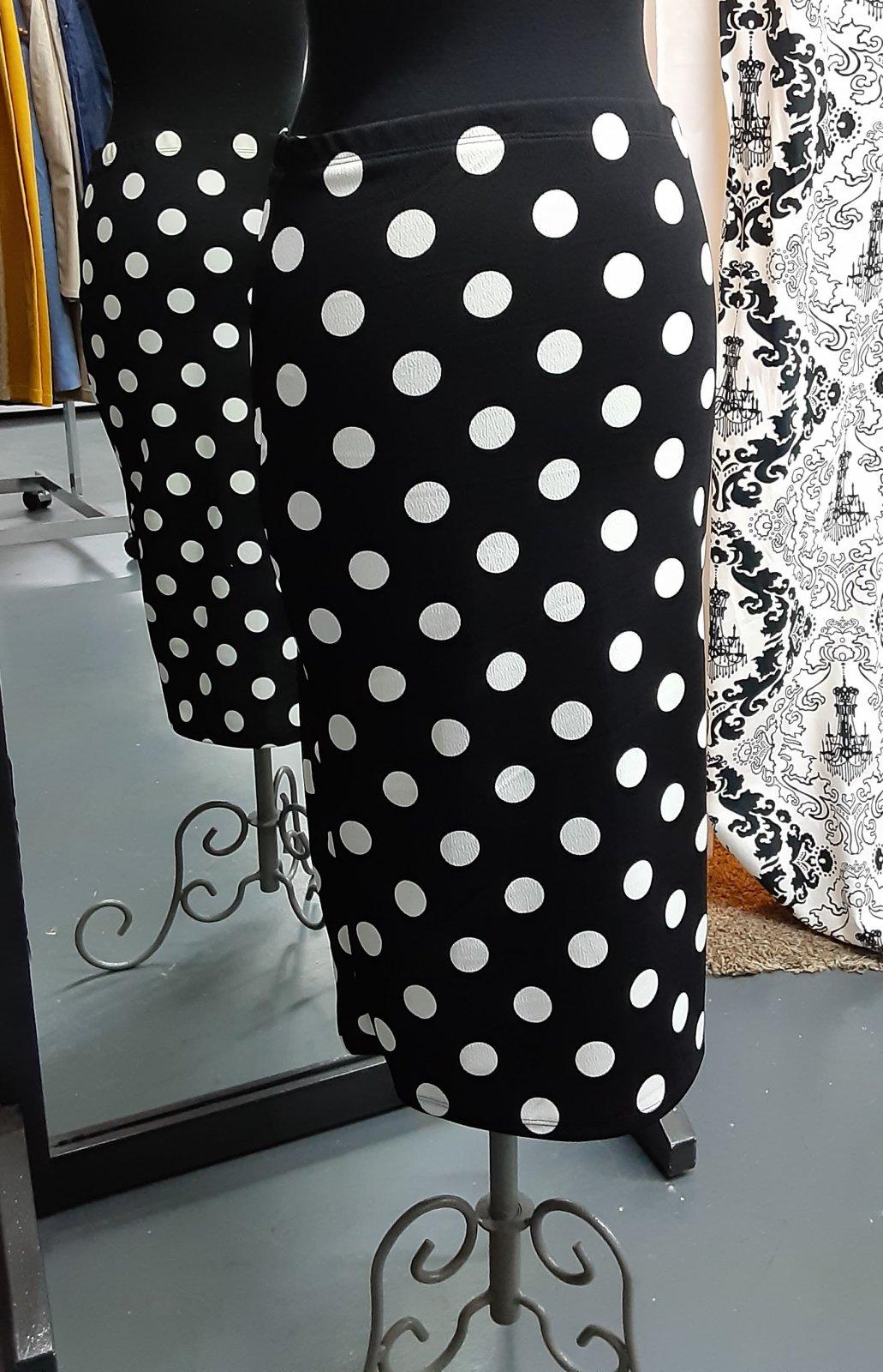 Plus Black w/ white dots skirt 26