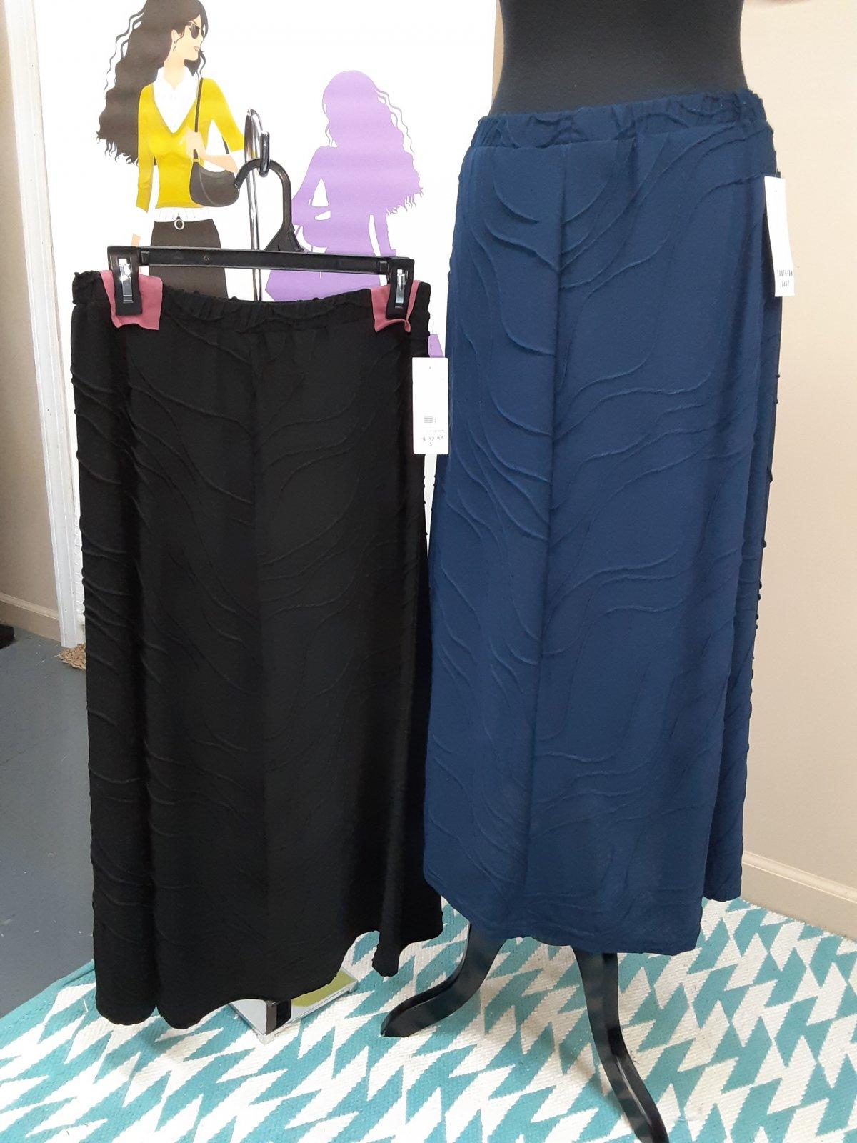 Southern Lady Plus Black Skirt