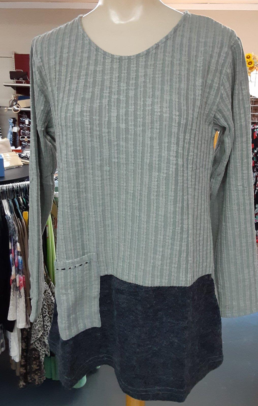 Gray/Black Color Block Tunic Yak/Yeti